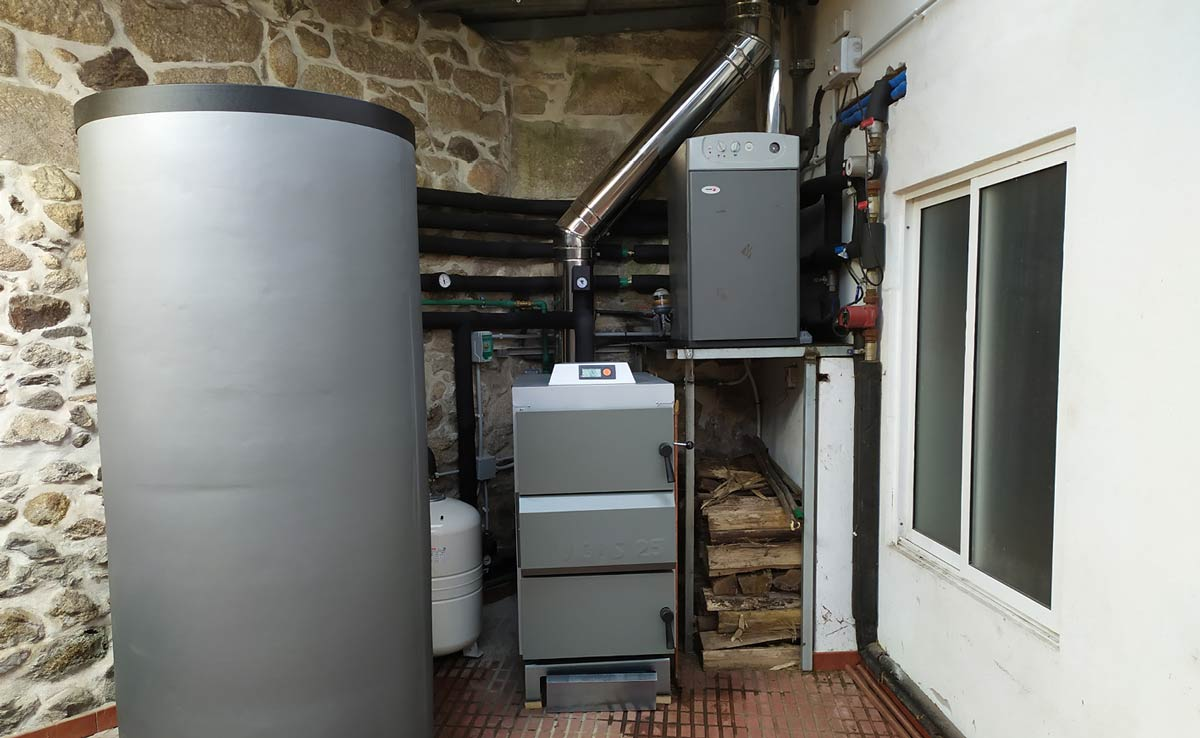 instalación caldeira con inercia
